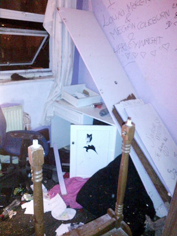 Out of control teenagers caused more than 20k damage after gate crashing a schoolgirls house party -1483667